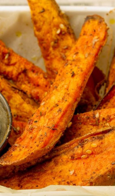 Sweet potato fries with za'atar and tahini mint dipping sauce