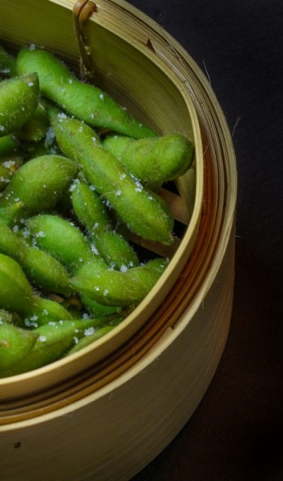 Steamed soy beans (edamame)